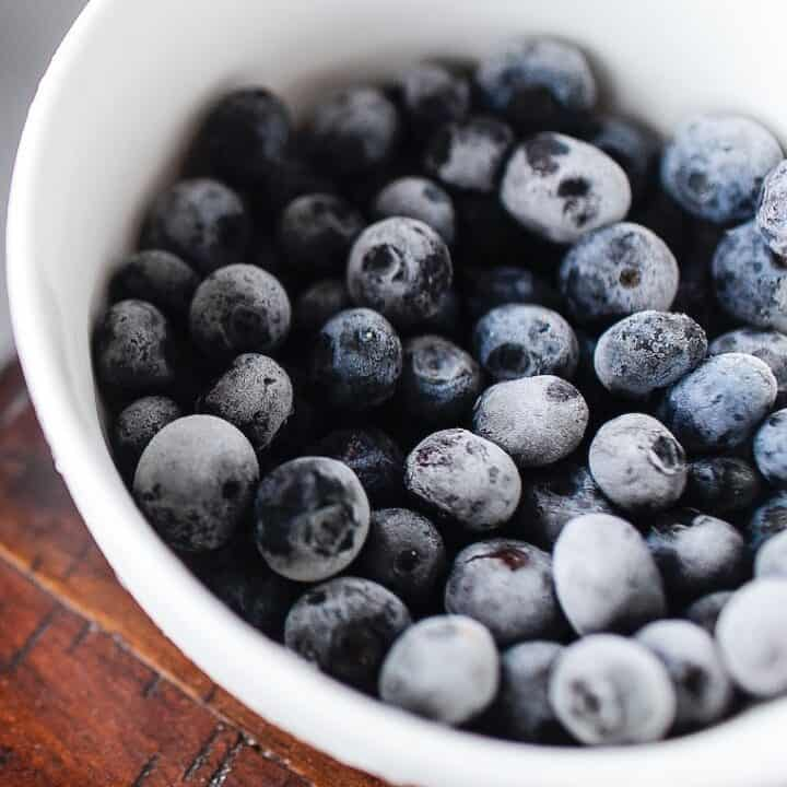 How To Freeze Blueberries (Without Sugar)