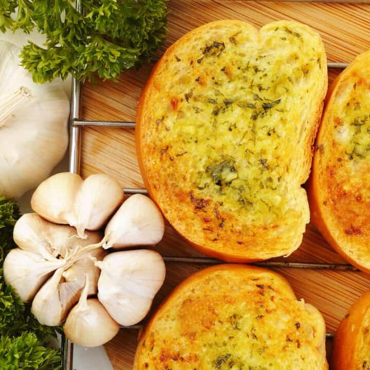 Frozen Garlic Bread In An Air Fryer